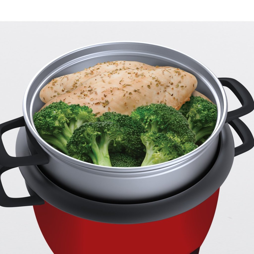 chiken and broccoli in Aroma 14-cup rice cooker food steamer