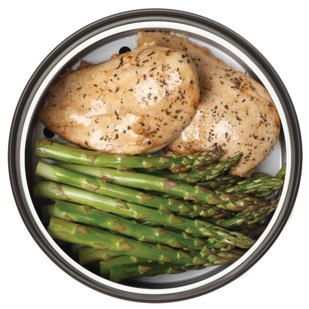 steamed chicken and asparagus in Aroma digital rice cooker & food steamer