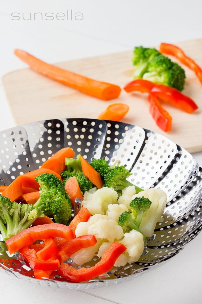 Sunsella stainless steel vegetable steamer basket featured image